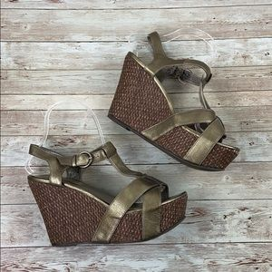 STEVE MADDEN | Strappy Ankle Buckle Wedges